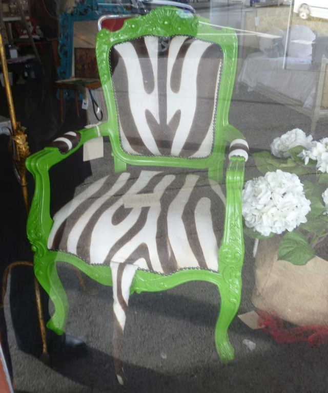 Upholstery striped chair with tail