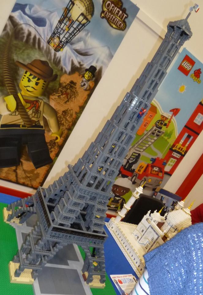 Lego bellarine eiffel tower