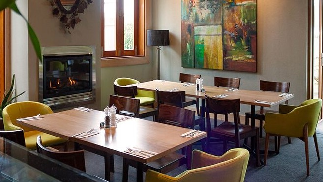 Telegraph Hotel geelong, entertainment book Geelong, dining, being fifty something, midlife, frugal living